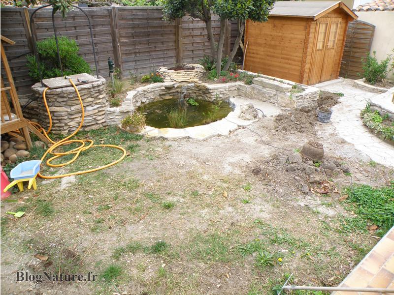 R ve de gosse un bassin dans le jardin for Photo de bassin de jardin avec cascade