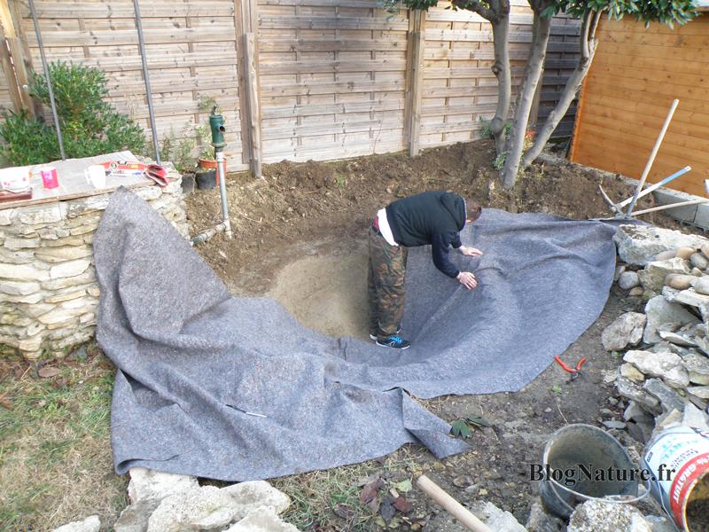 R ve de gosse un bassin dans le jardin for Bassin avec bache